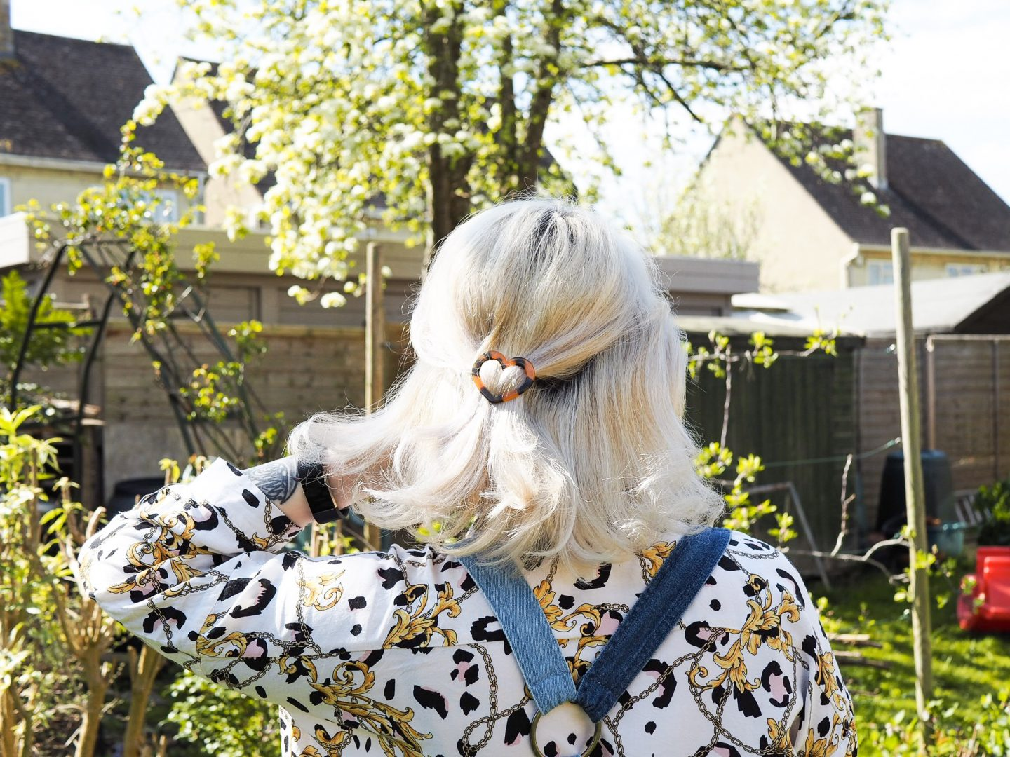 bleached hair with clip