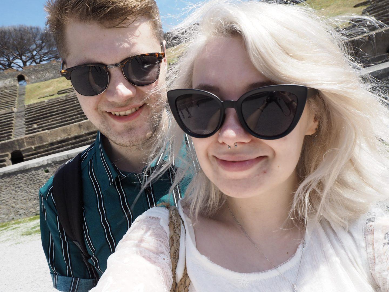 Sorrento travel couple