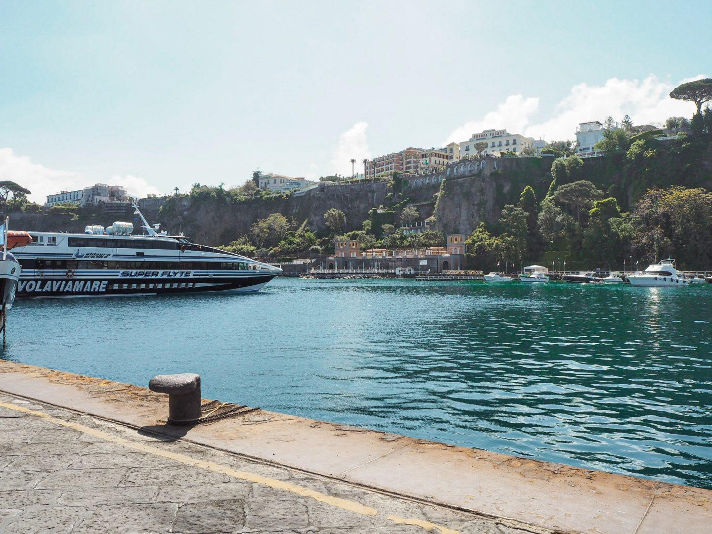 Sorrento travel port