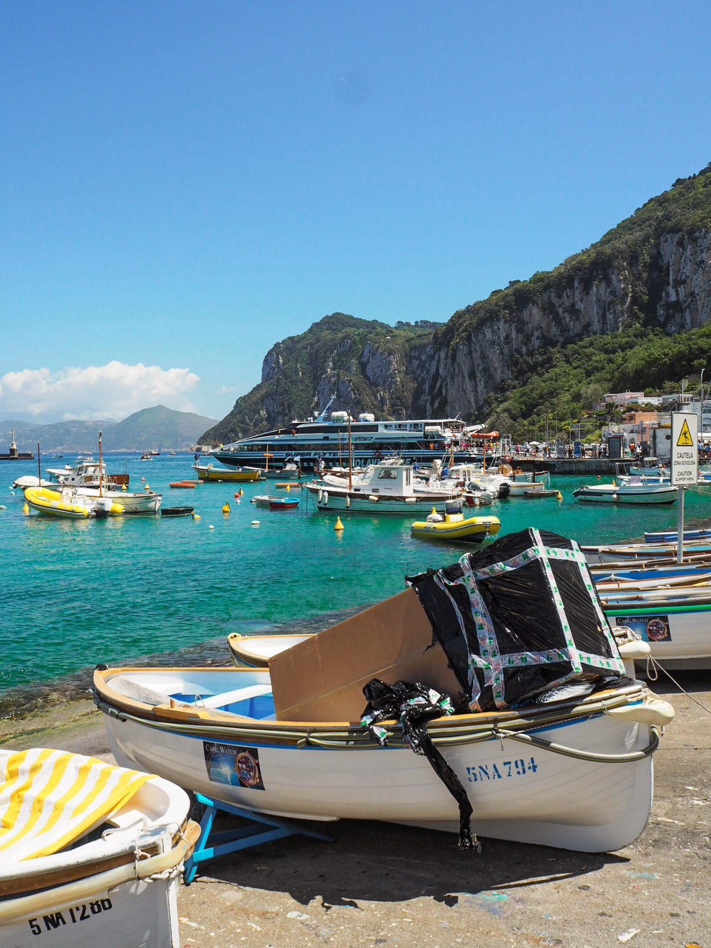 Sorrento travel: capri island boats