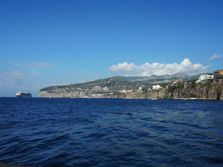 Sorrento travel: Sorrento port